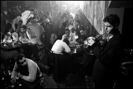 USA. New York City. 1957. David AMRAM entertains at the Five Spot Cafe.
