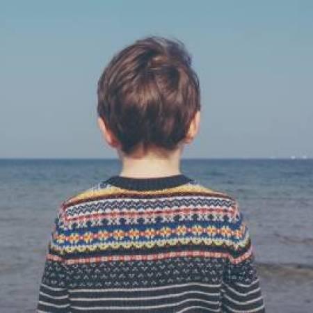 un_bambino_e_il_mare_dove_non_si_tocca_il_nuovo_romanzo_di_fabio_genovesi_1