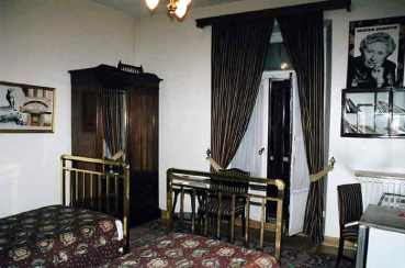 agatha-christie-s-room-hotel-pera-palas-istanbul-she-wrote-m