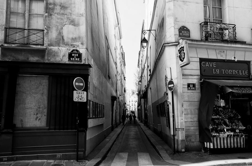paris-112438_960_720